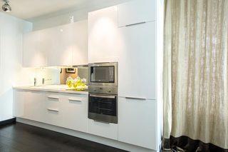 现代风格公寓厨房装修设计图