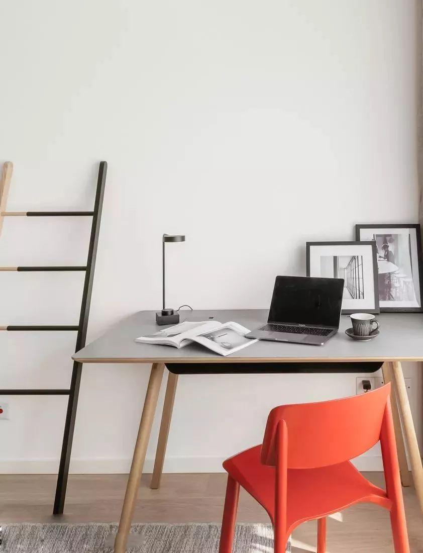 大户型简约风格书桌装修效果图