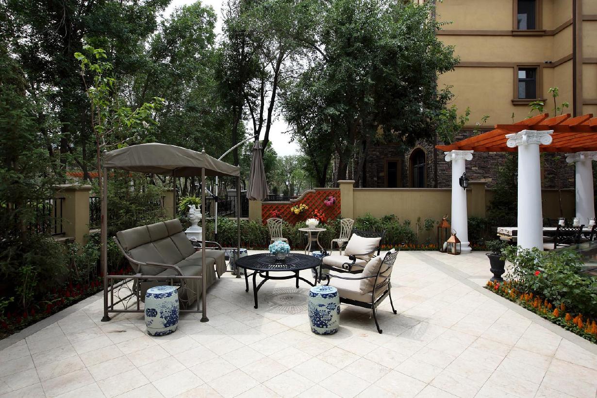 欧美风情别墅庭院装修设计效果图