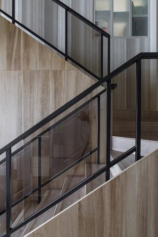 现代风格别墅楼梯装修设计效果图