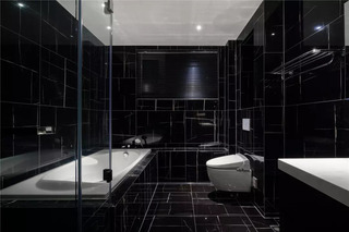 大户型简约黑色卫生间装修效果图