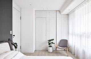 极简风白色公寓卧室装修效果图