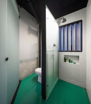 40平米水泥公寓卫生间装修效果图