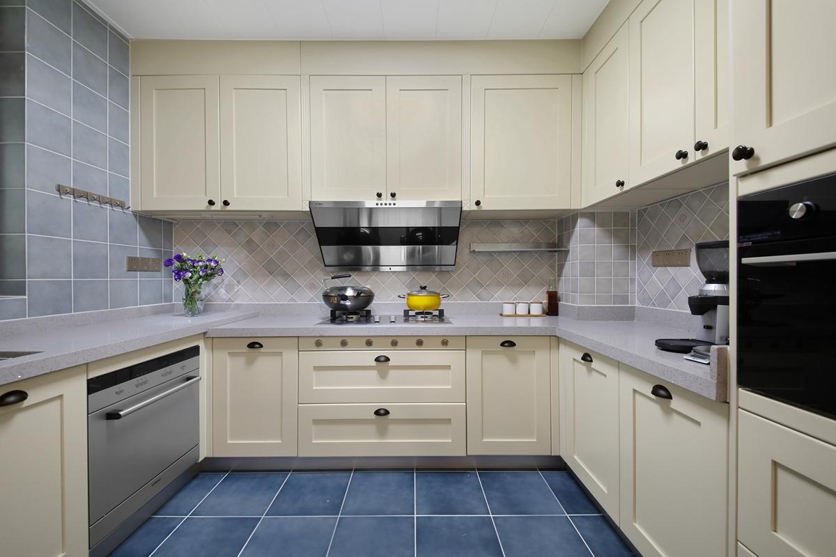 大户型美式风厨房装修效果图