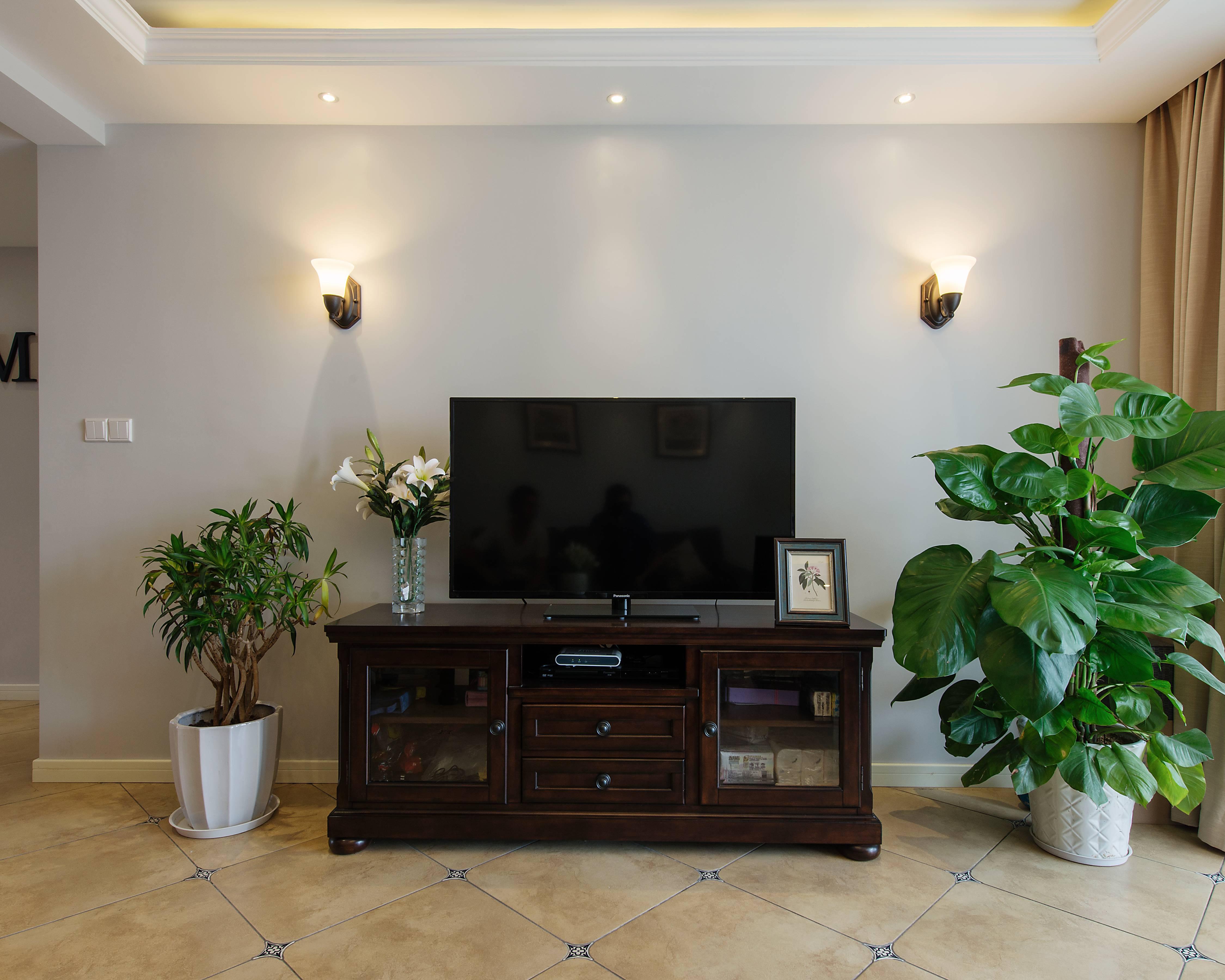 135平米美式风格电视背景墙装修效果图