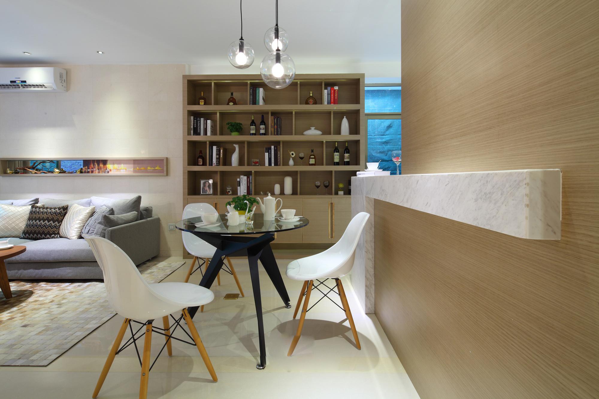 二居室现代简约餐厅装修效果图