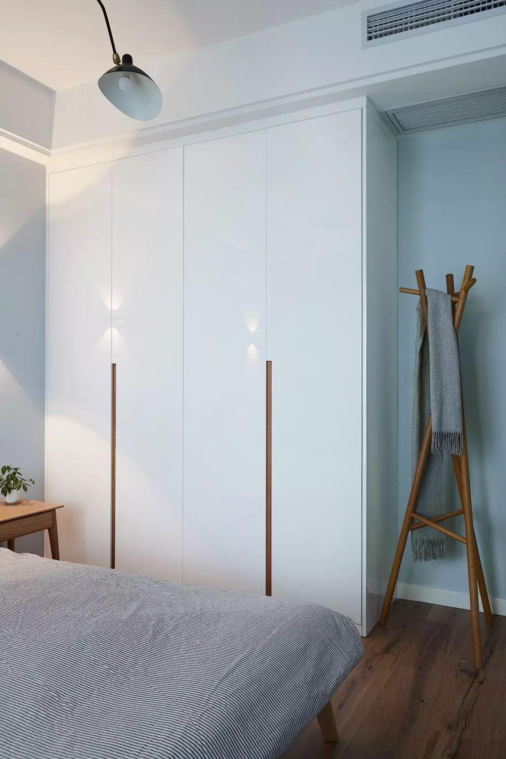89㎡北欧风卧室衣柜装修效果图