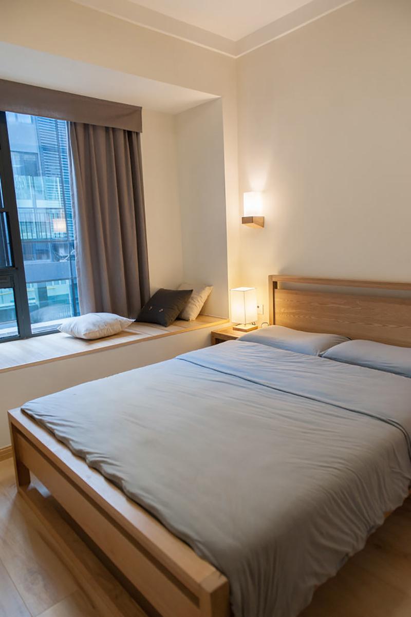 80㎡日式风格三居卧室飘窗装修效果图