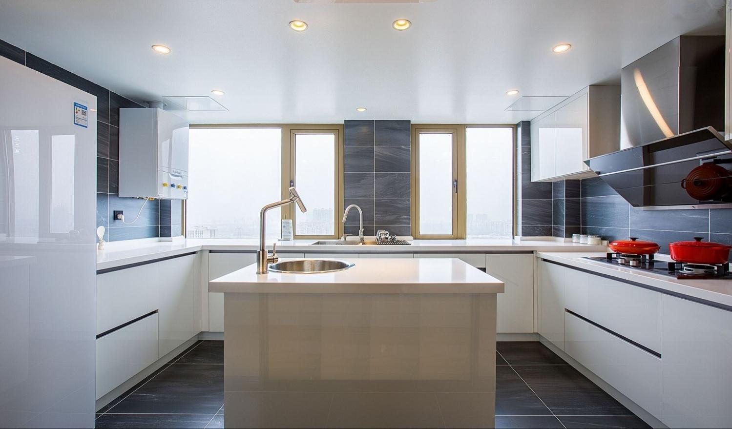 188平现代风格厨房装修效果图