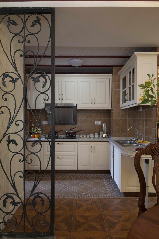 135平美式风格厨房装修效果图