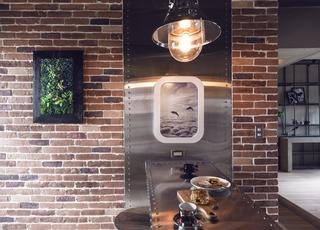 92㎡工业风格公寓餐厅背景墙装修效果图