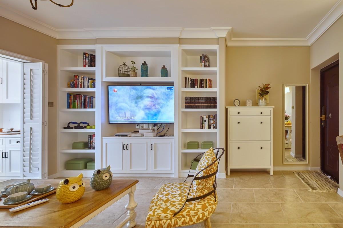 二居室简美风格电视墙装修效果图