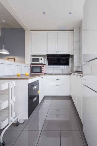 清新北欧风格厨房装修效果图