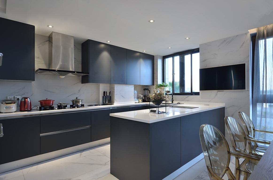 200平现代风格厨房装修效果图