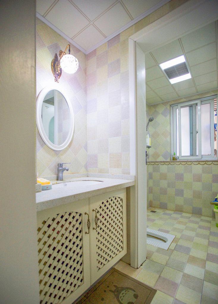 二居室田园风格卫生间装修效果图