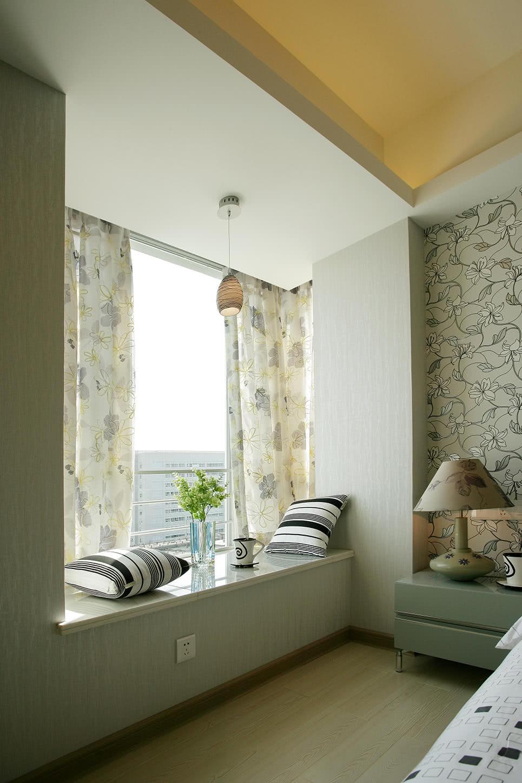 98平现代简约风格卧室飘窗装修效果图