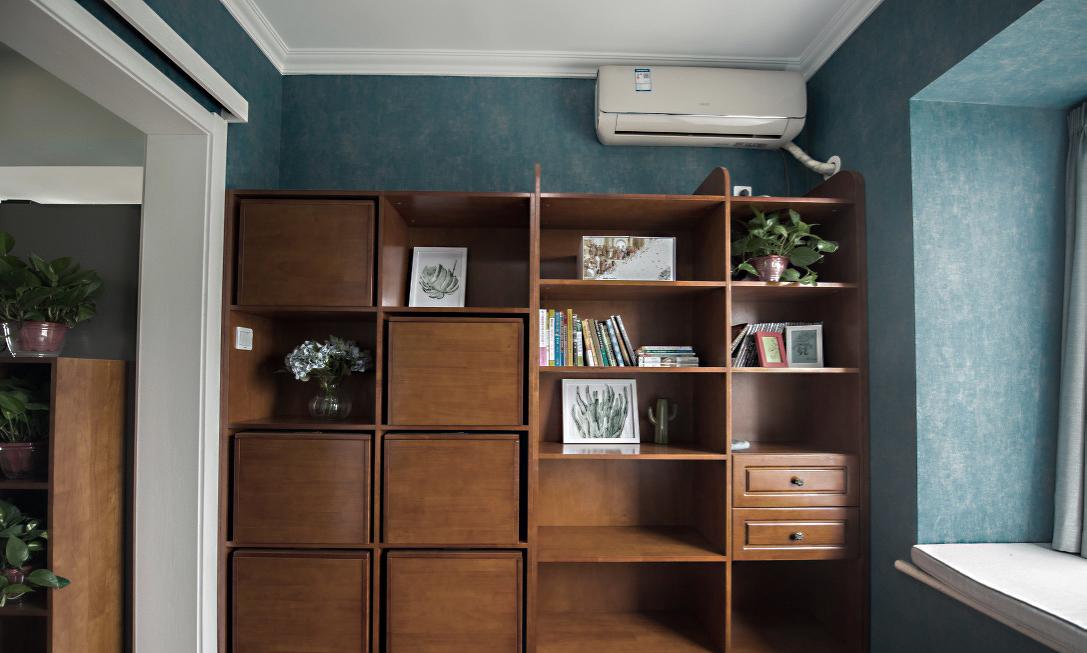 87平米小三居书柜装修效果图