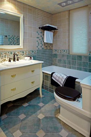 地中海风格四居室卫生间装修效果图
