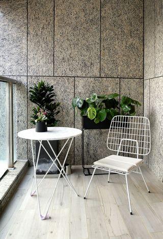 160平现代三居室阳台装修效果图