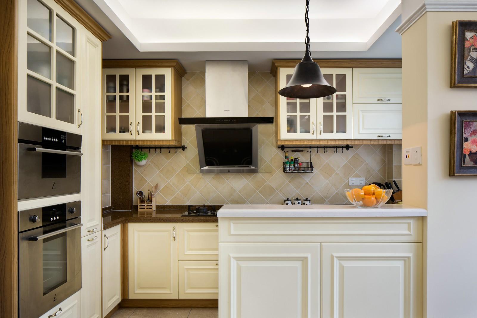 温馨美式风格三居厨房装修效果图