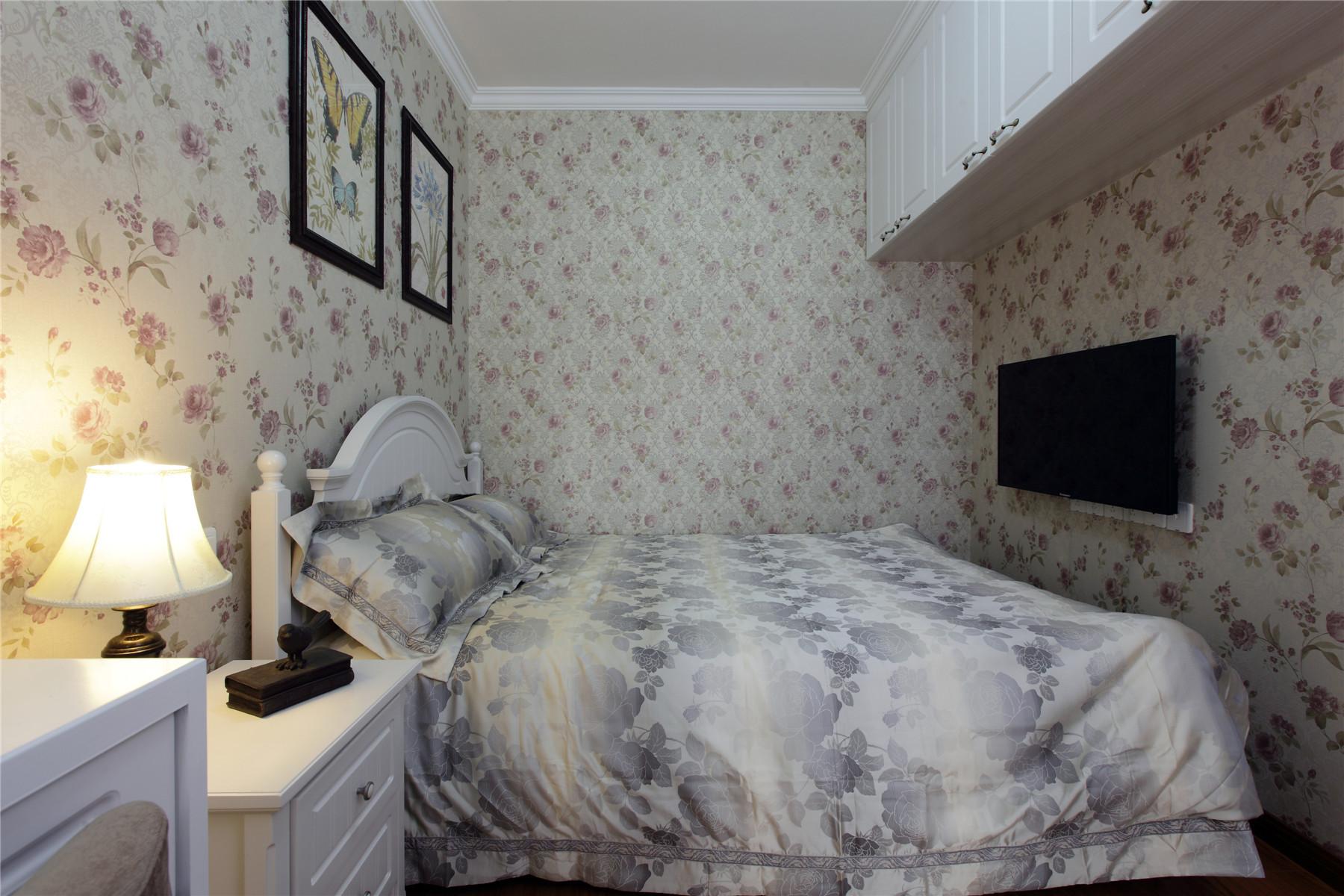 简约美式风格卧室壁纸装修效果图