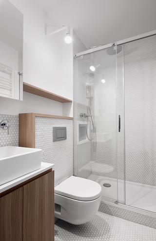 80㎡极简风公寓卫生间装修效果图