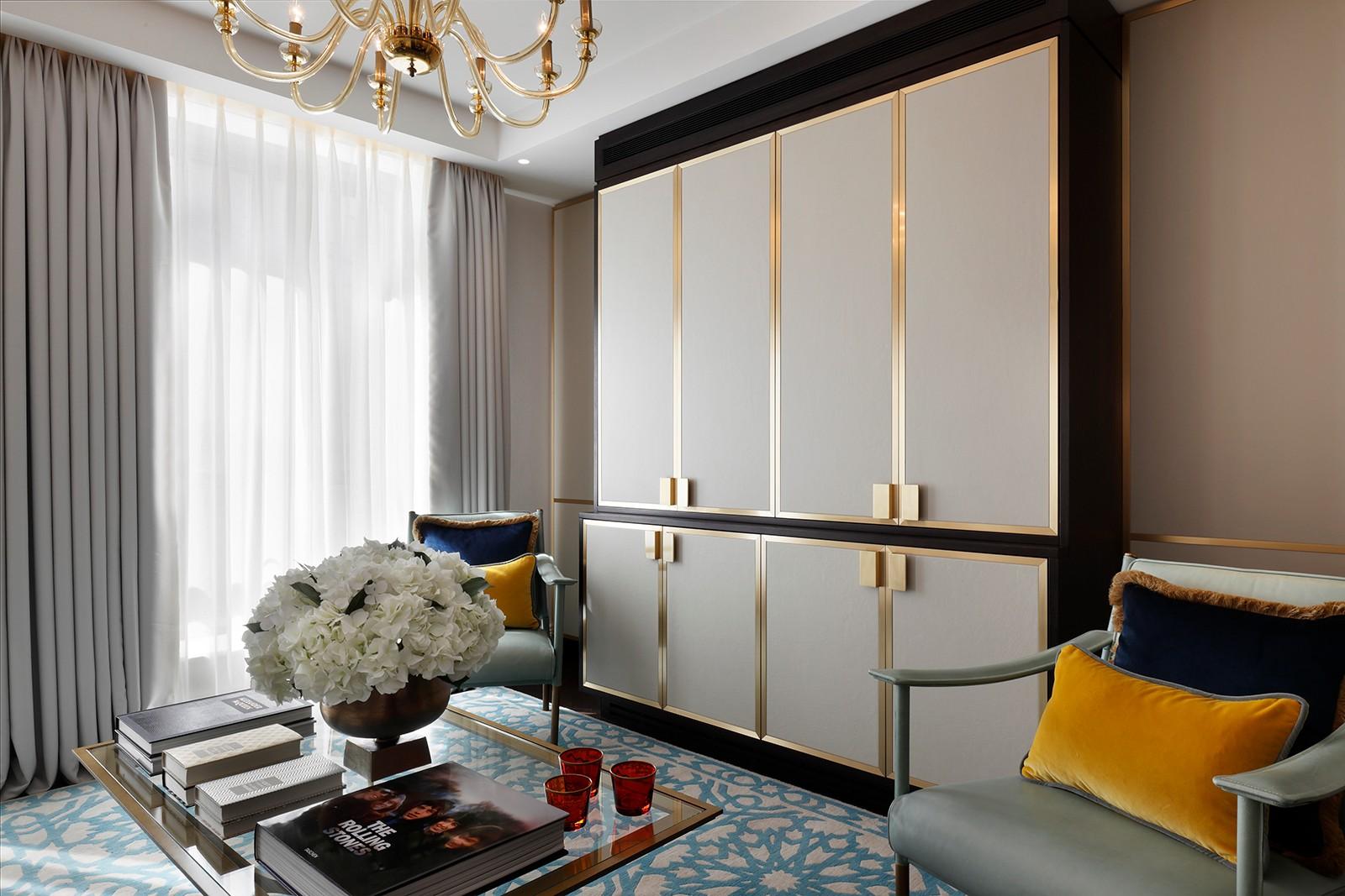 优雅英式公寓装修储物柜设计图