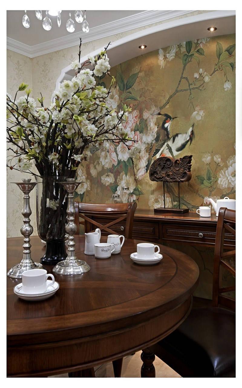 复古美式风三居装修餐桌布置图