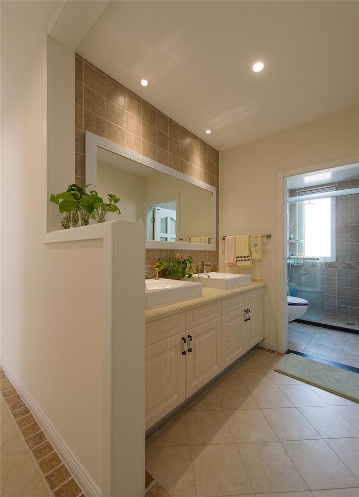 123平美式风格卫生间装修效果图