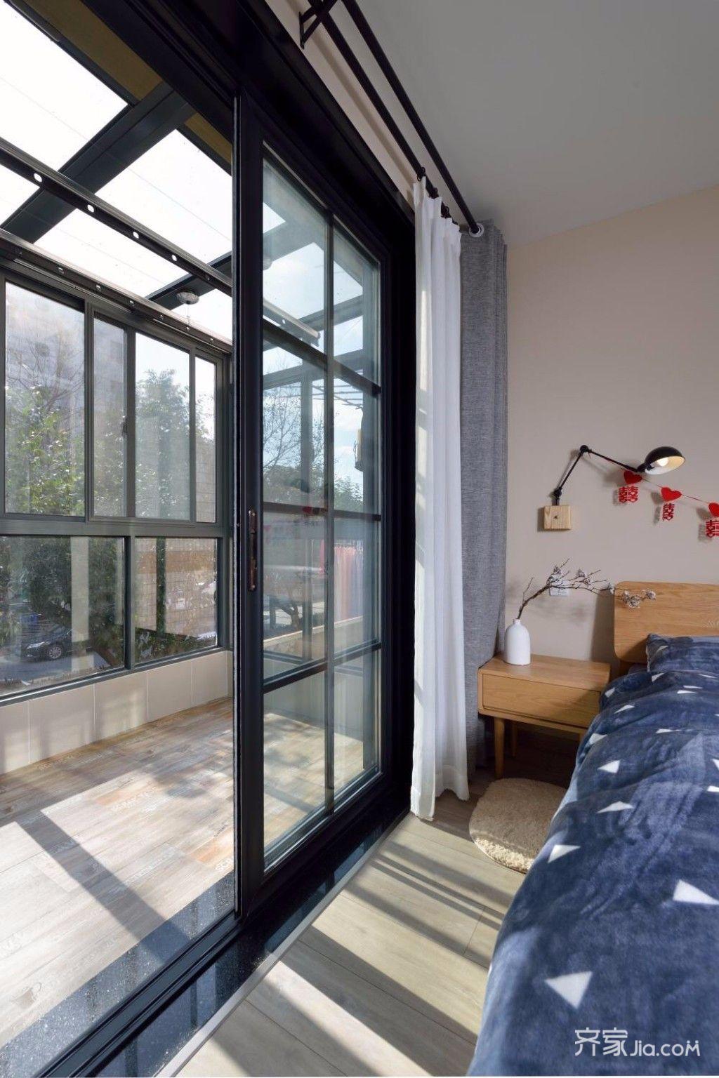 小户型北欧风格阳台装修效果图