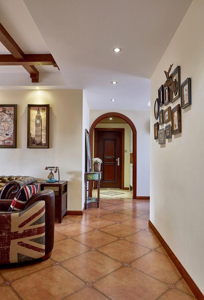 三居室美式乡村风格过道装修效果图