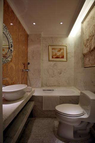 欧式风格三居室卫生间装修效果图