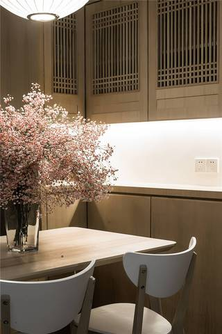 三居室日式风格装修餐边柜设计图