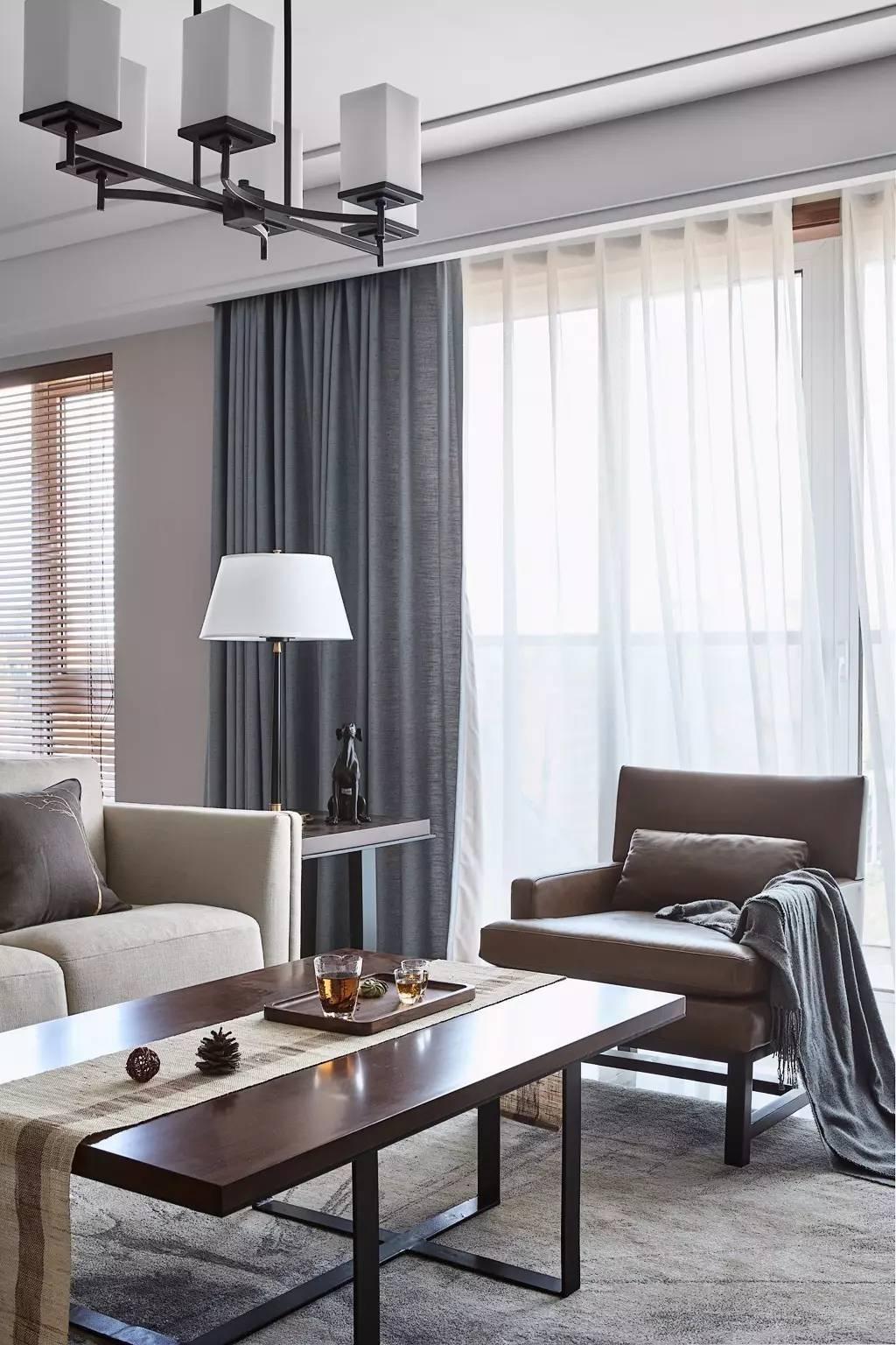 135平米三居室装修茶几设计图