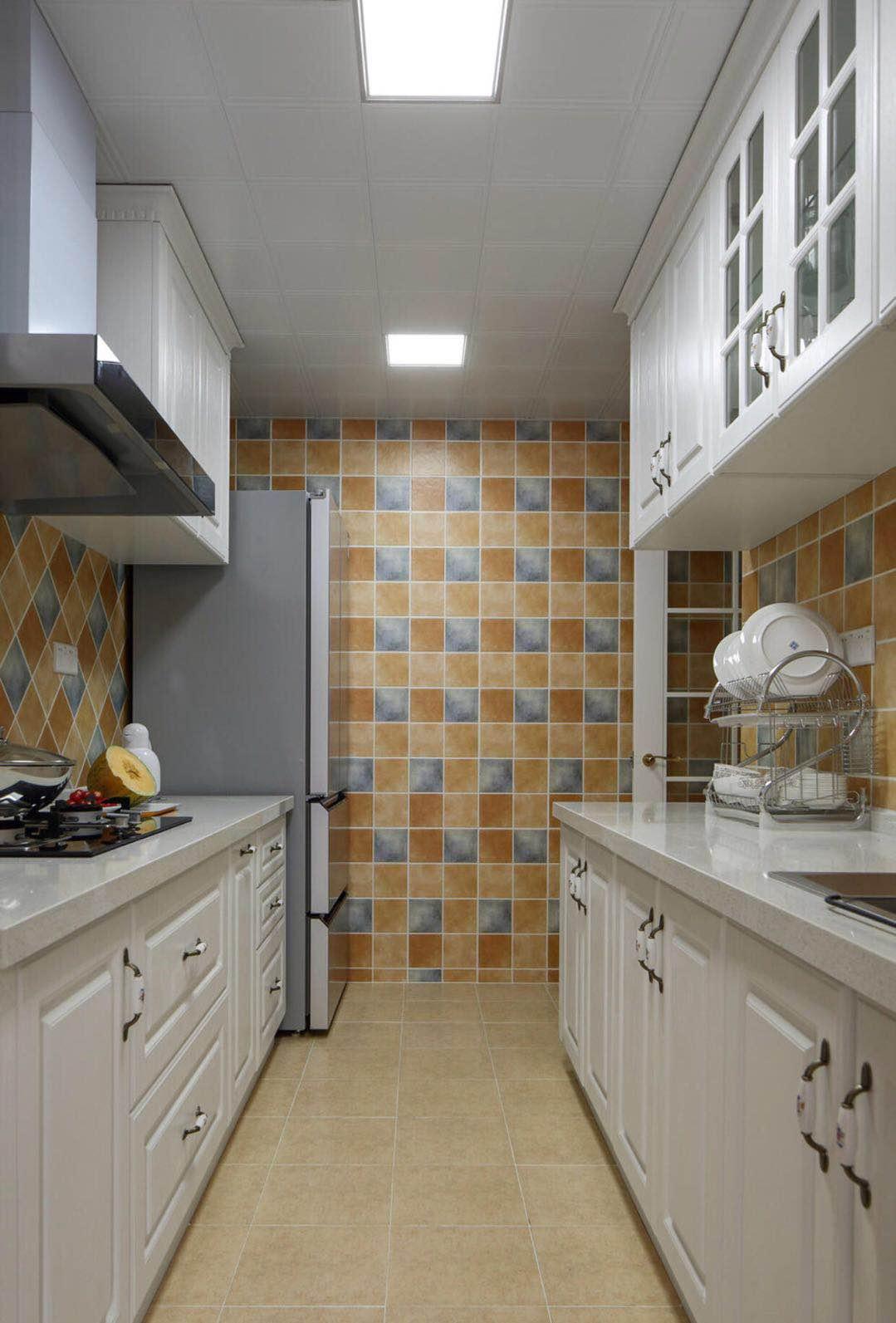 120平美式风格厨房装修设计图