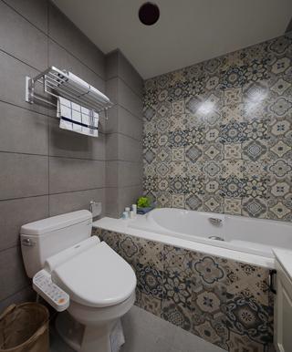 三居室混搭风格卫生间装修效果图