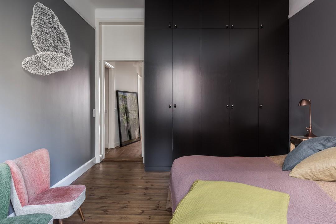 大户型混搭公寓卧室衣柜装修效果图
