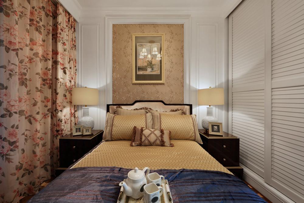 英式田园风格四居卧室装修搭配图