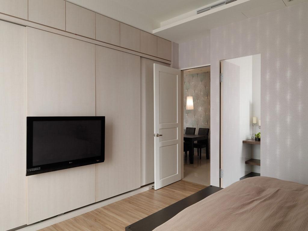 105平米现代风格衣柜装修效果图