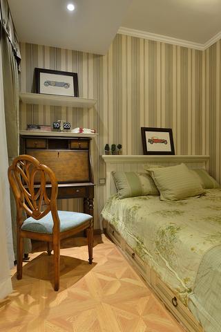 美式风格三居榻榻米卧室装修设计图