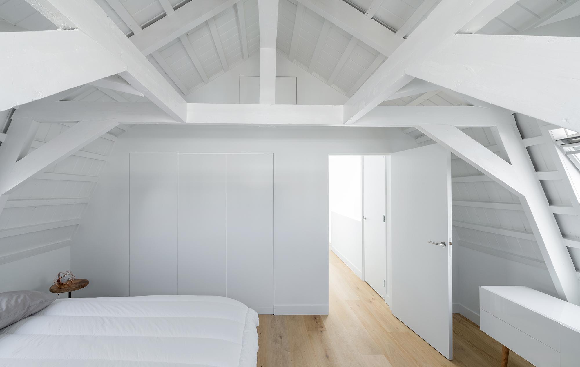 极简风格LOFT公寓卧室装修效果图