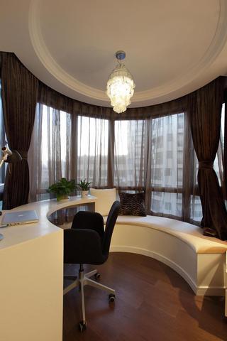 现代风格三居室飘窗装修效果图
