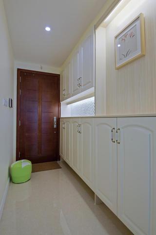 80平现代两居室玄关装修效果图