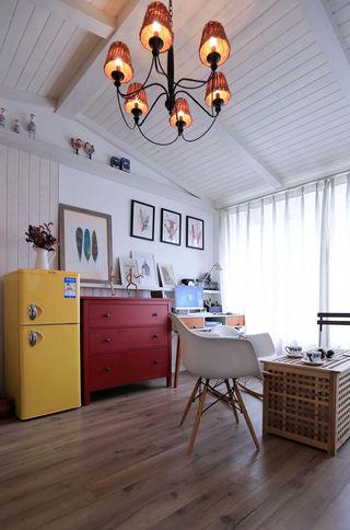 小户型北欧风装修红色斗柜设计图