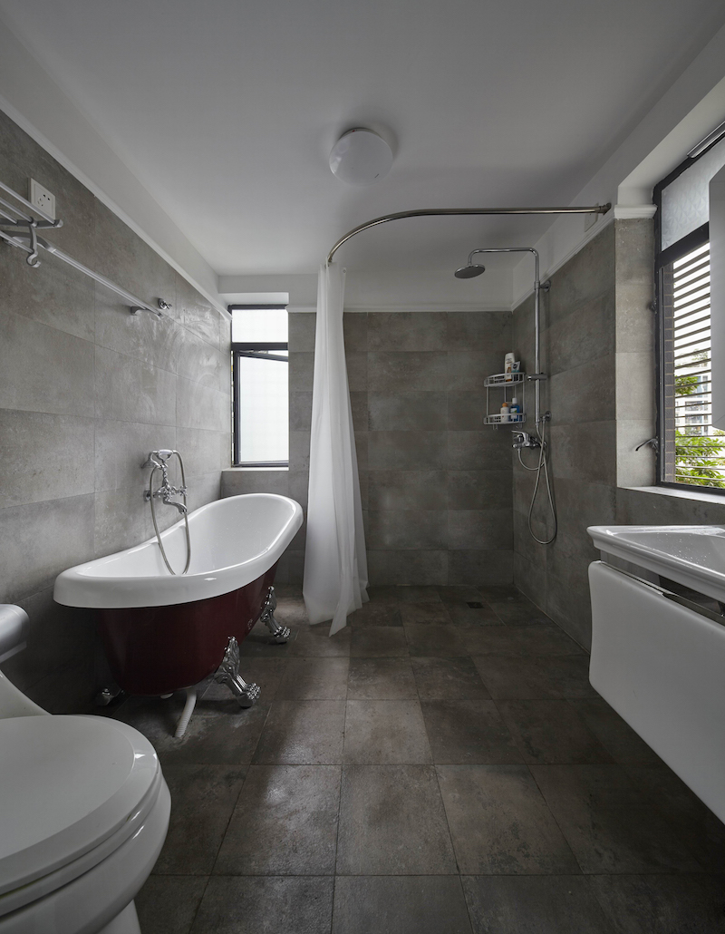 简美风格四居室卫生间装修效果图