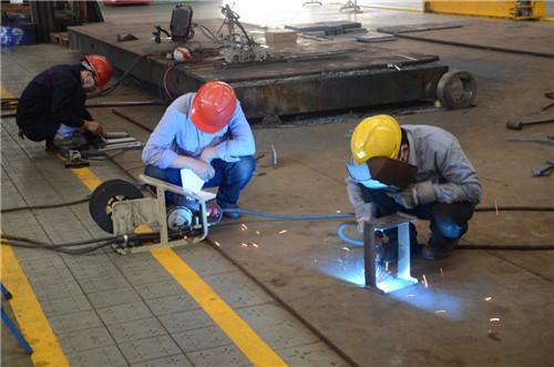 电工难还是钳工难 水电改造要注意什么