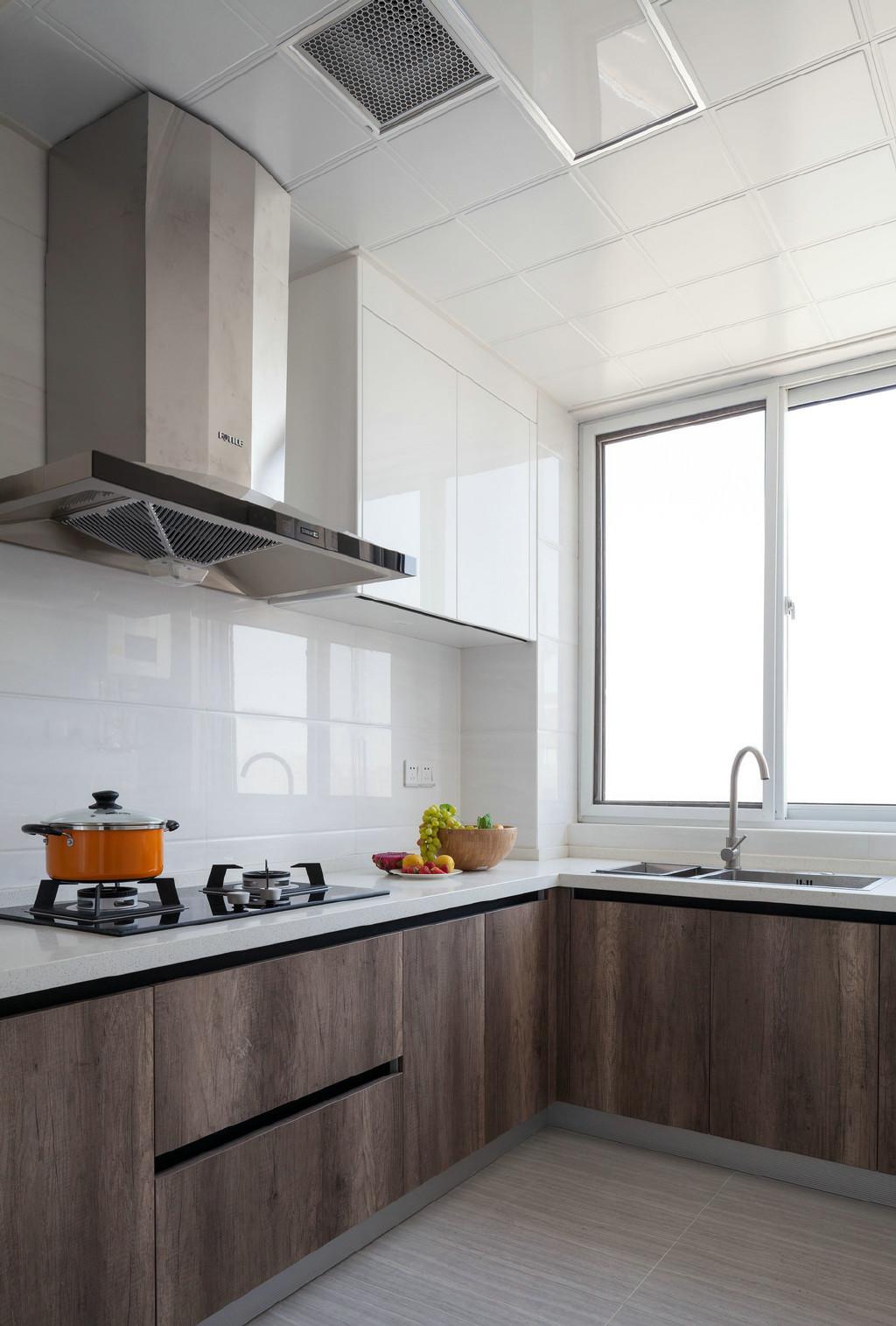 二居室现代简约风格厨房装修效果图