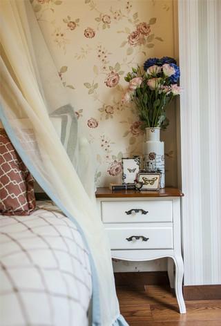 三居室田园风格装修床头柜设计图