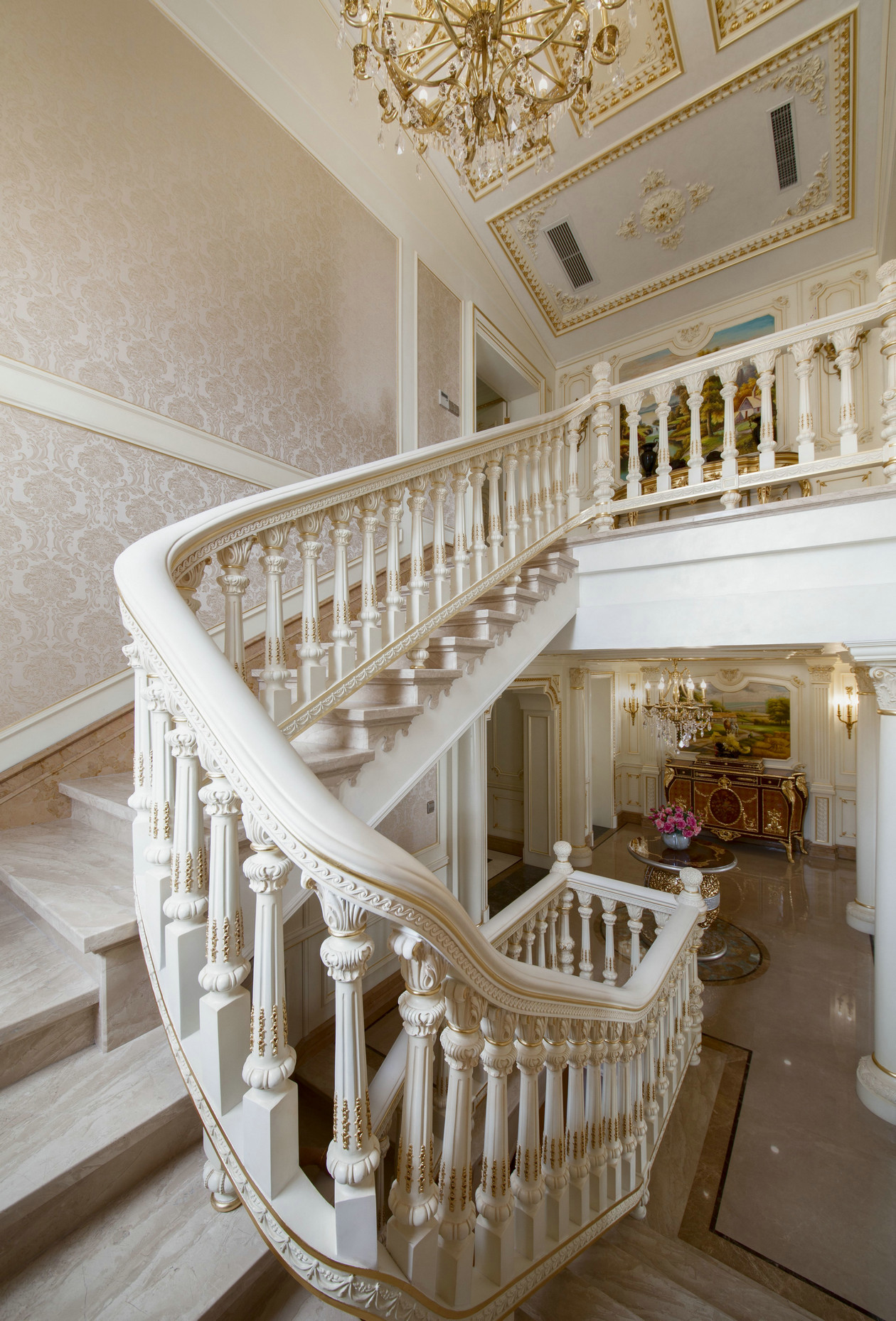 法式豪华别墅楼梯装修效果图