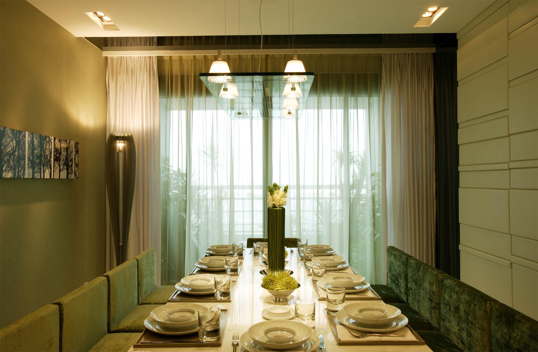 简约现代复式别墅餐厅装修效果图